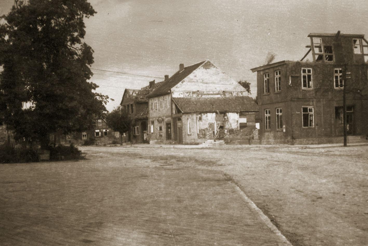 Rethem am Kriegsende, Blick in die Lange Straße / Foto: Slg. Wilhelm Richter, Stadtarchiv