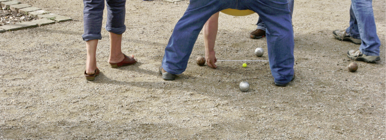 Boulespielen - eine gute 'Maßnahme'. Foto: Reiner Dittmers
