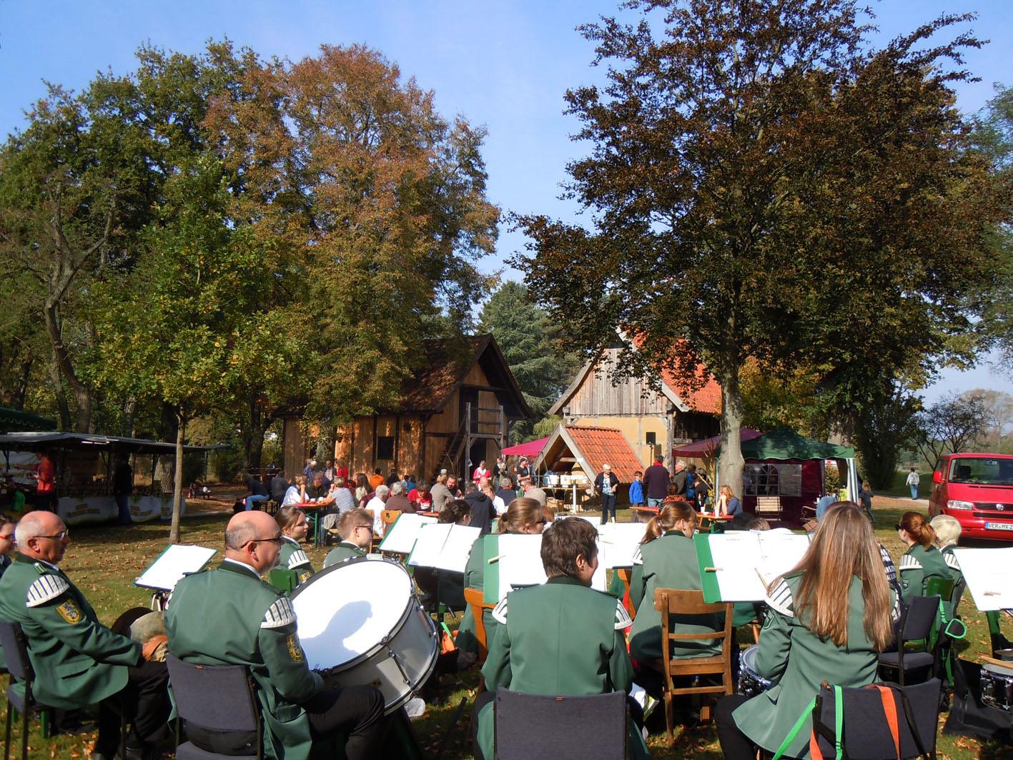 Musik gab's auch / Bild: Margret Dannemann-Jarchow