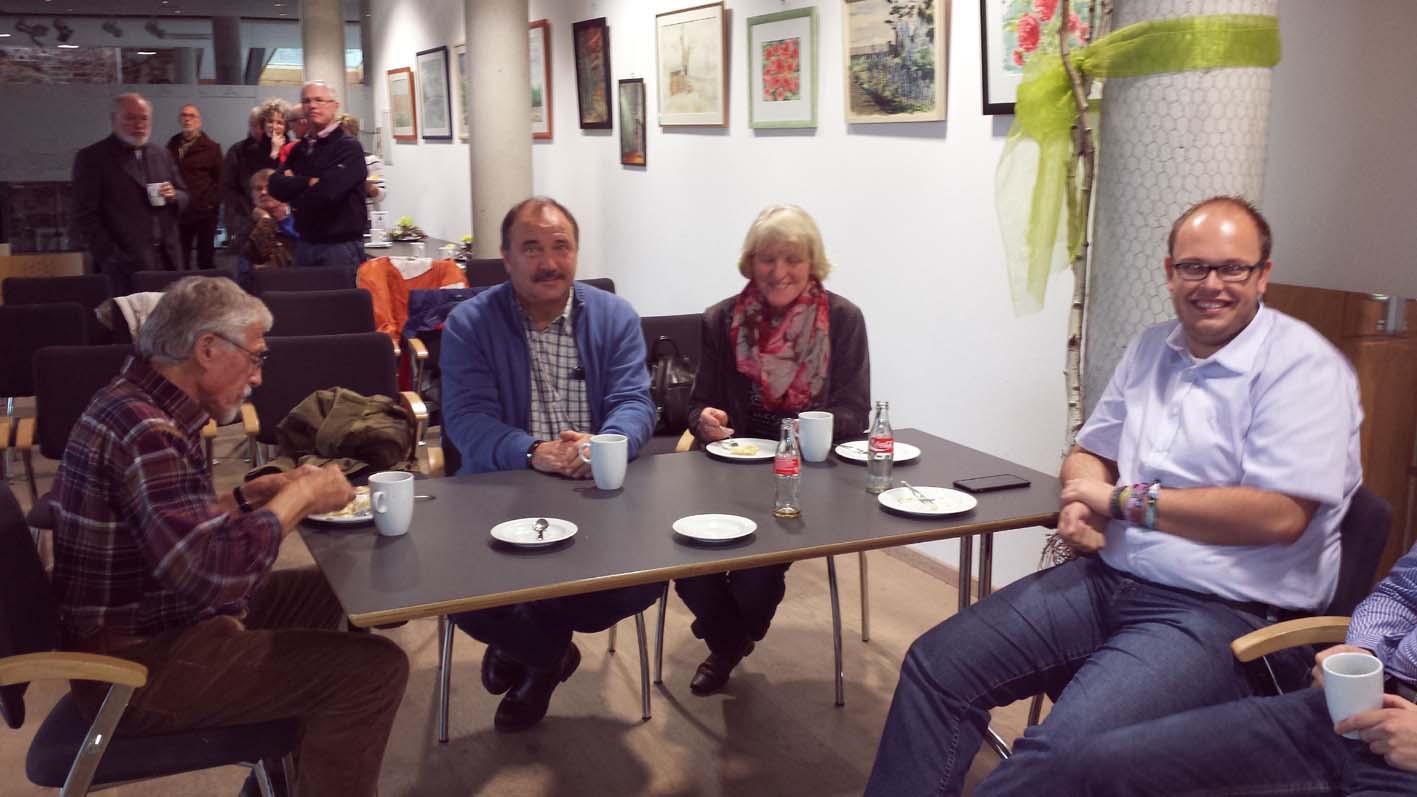 Kaffee und Kuchen gab's von den Landfrauen / Bild: Anne Trebilcock