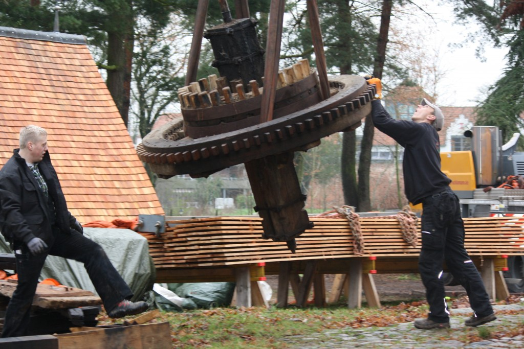 Das Mahlwerk schwebt / Bild: Gudrun Fischer-Santelmann