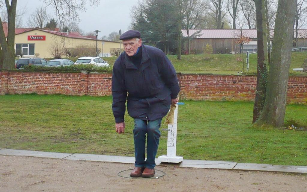 Unser ältester Spieler Horst Weber in Aktion